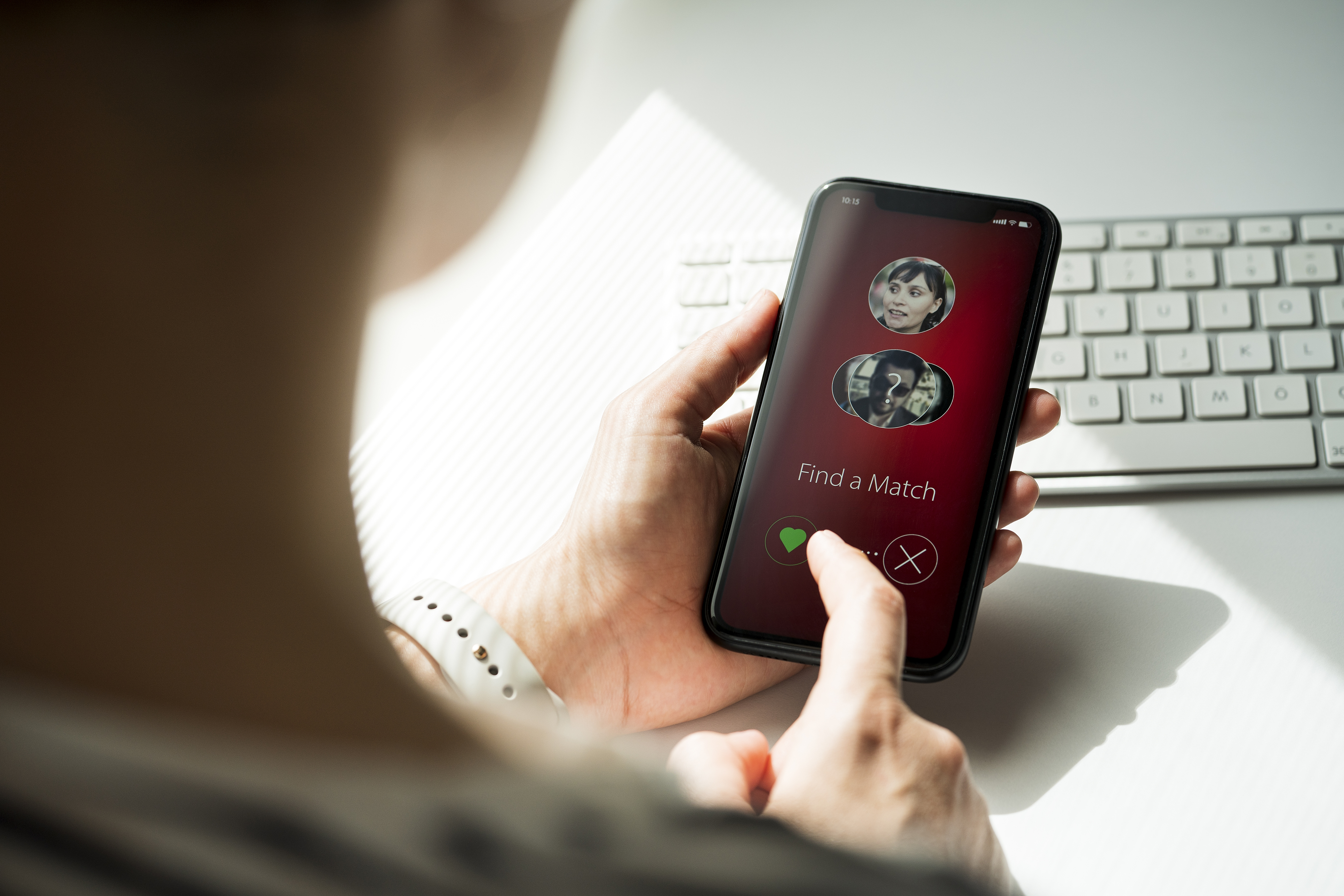Do Girls Get Online Dating Matches Easier Than Guys?
