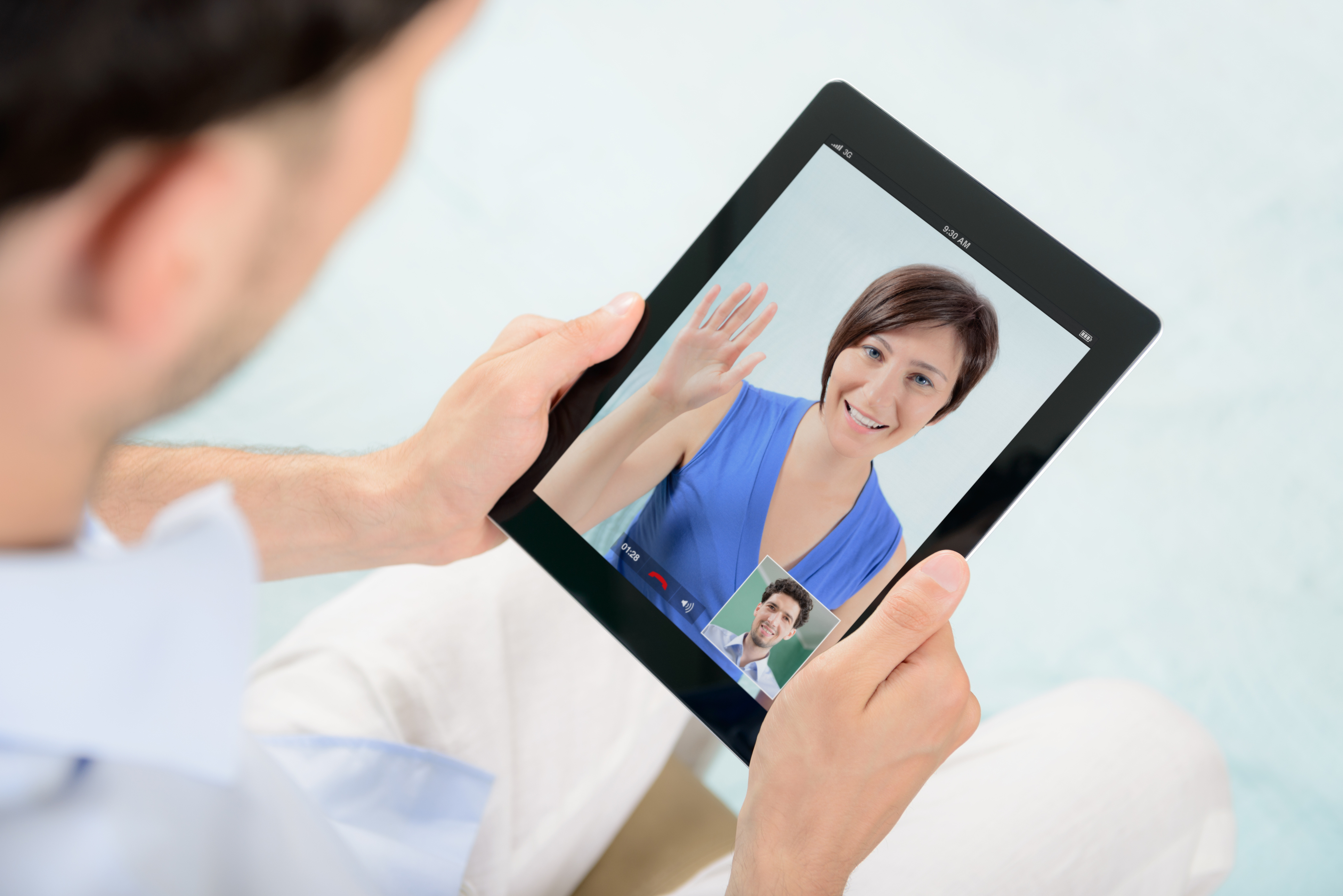 Online Dating: How Much Communication Should You Have With A New Dating Prospect?