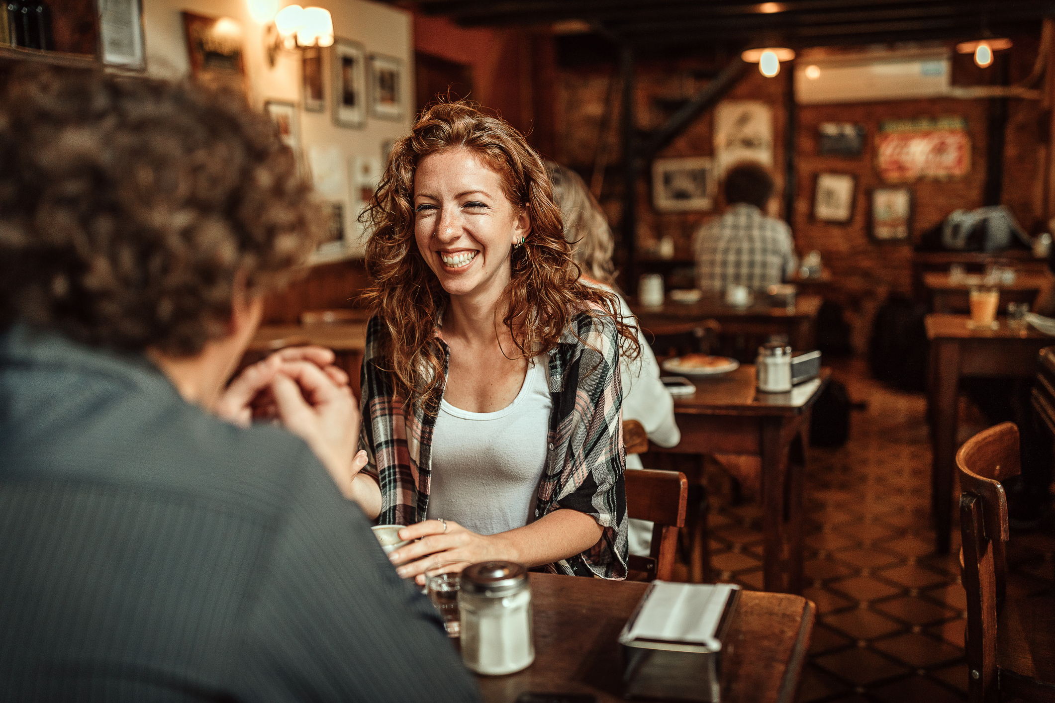 Online Dating: How To Take The Pressure Off The First Meetup Or Date After Prolonged Texting?