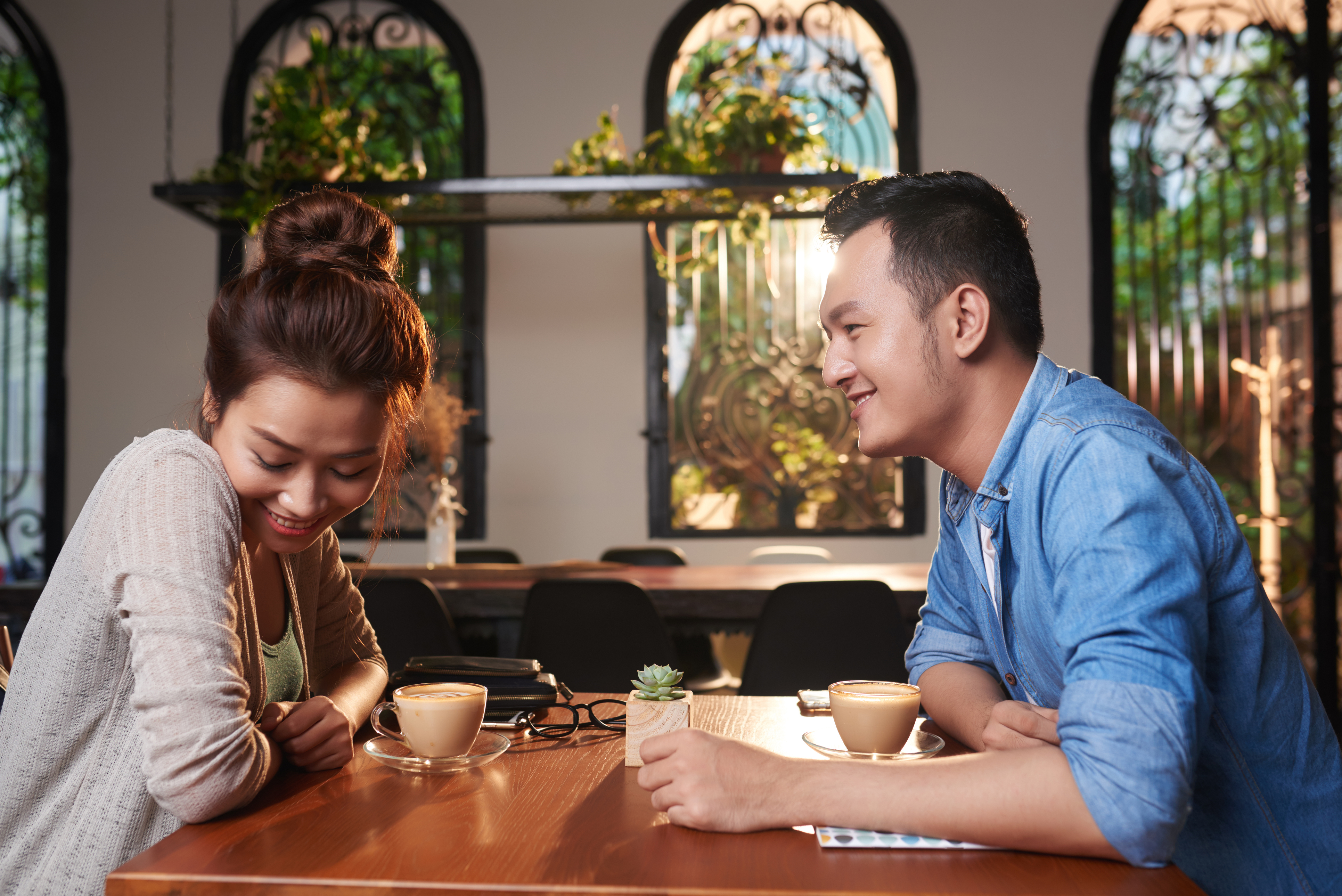 Online Dating: How To Get Better At First Dates When You Are Very Shy?